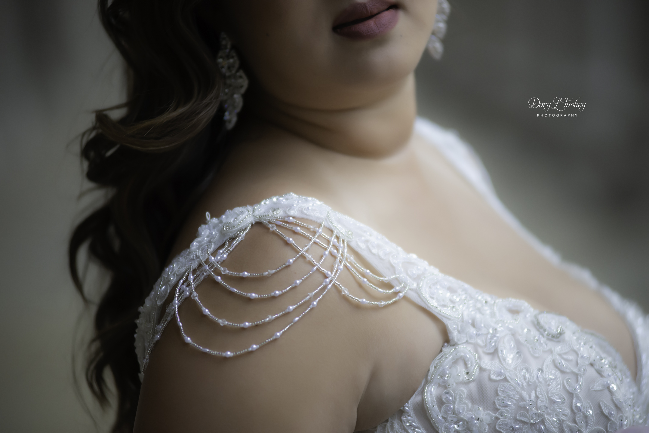 Chicago_wedding_photographer_bride_union_station_laos_thai_dory_04.jpg