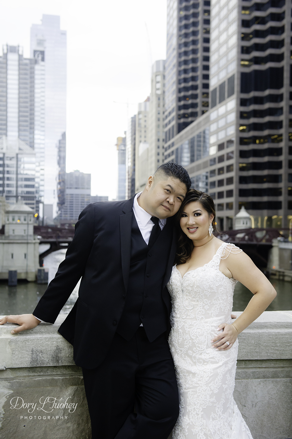 Chicago_wedding_photographer_bride_union_station_laos_thai_dory_10.jpg