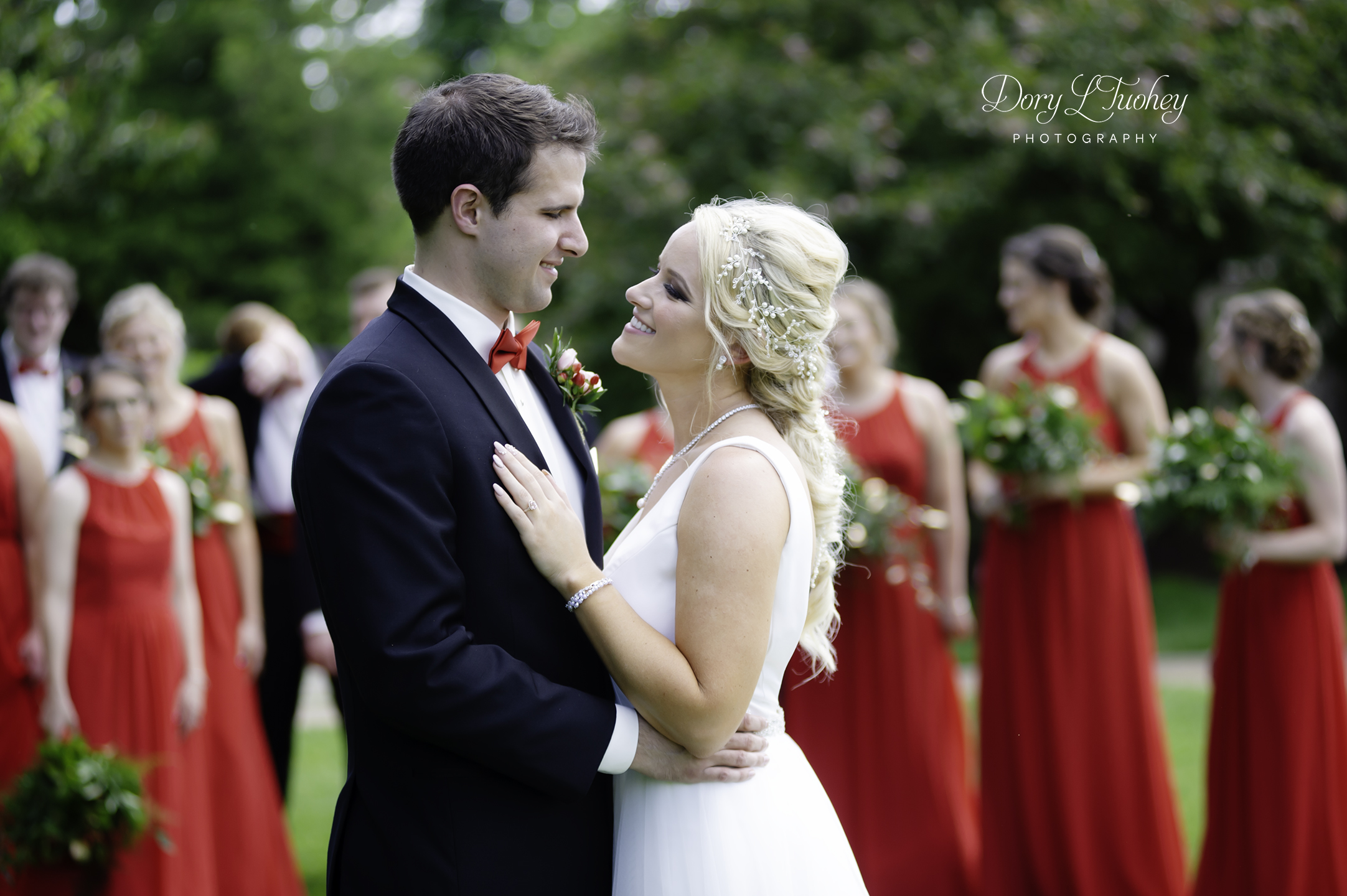 Dory_springfield_wedding_bride_red_shoes_photographer_washington_park_04.jpg