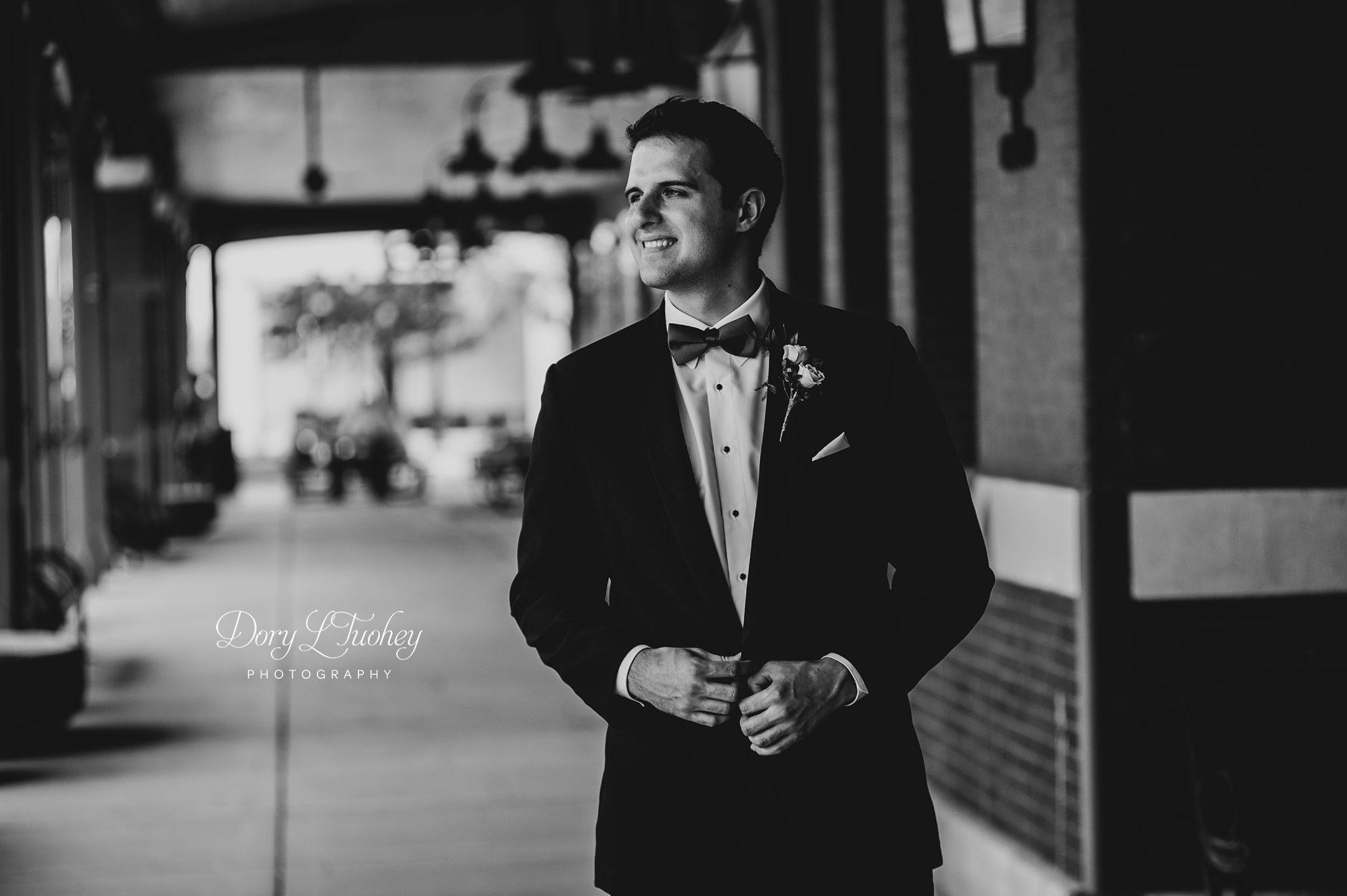 Dory_springfield_wedding_bride_red_shoes_photographer_capital_groom_06.jpg
