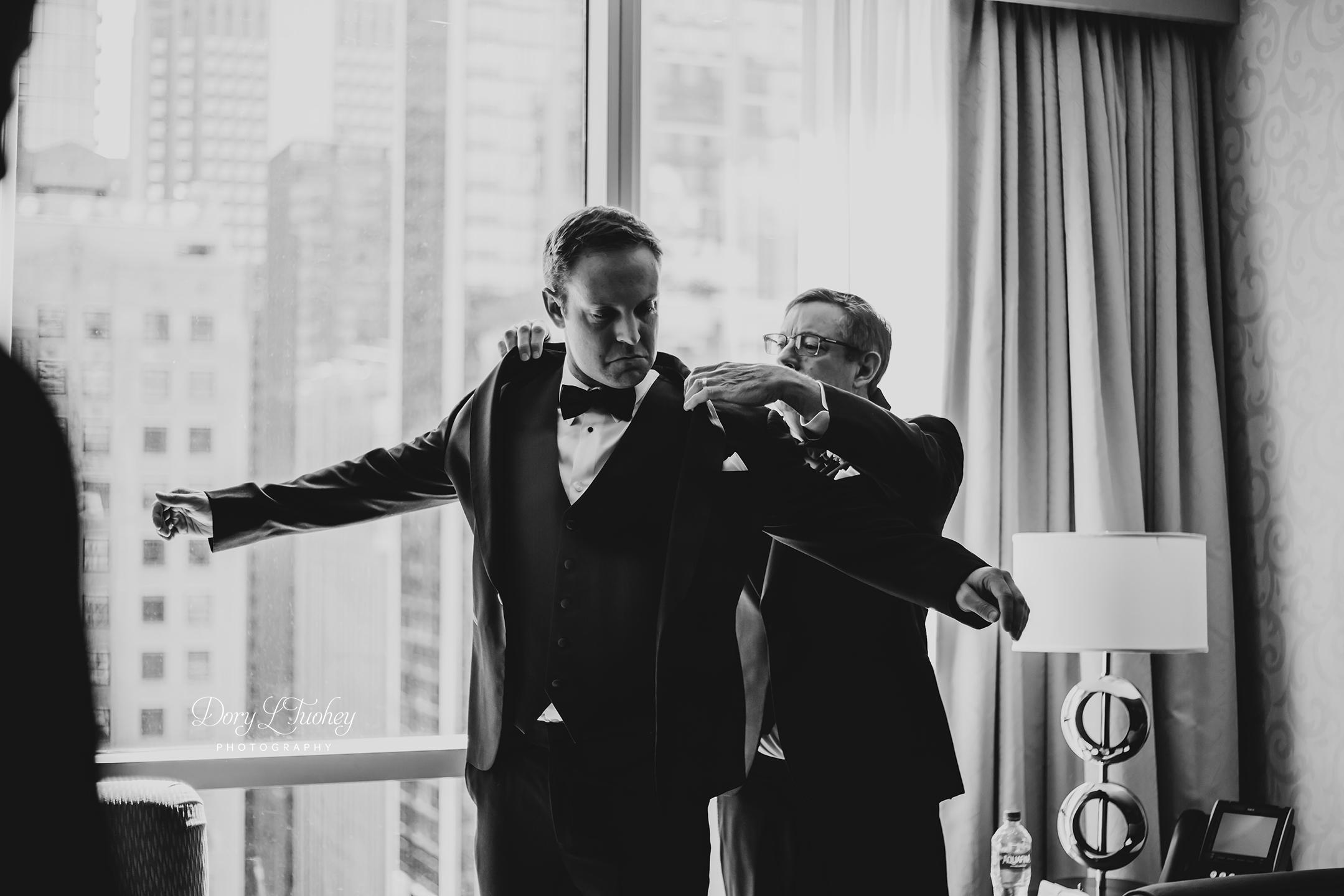 Wedding_chicago_bride_groom_photographer_wisconsin_gren_bay_wit_loyola_05.jpg