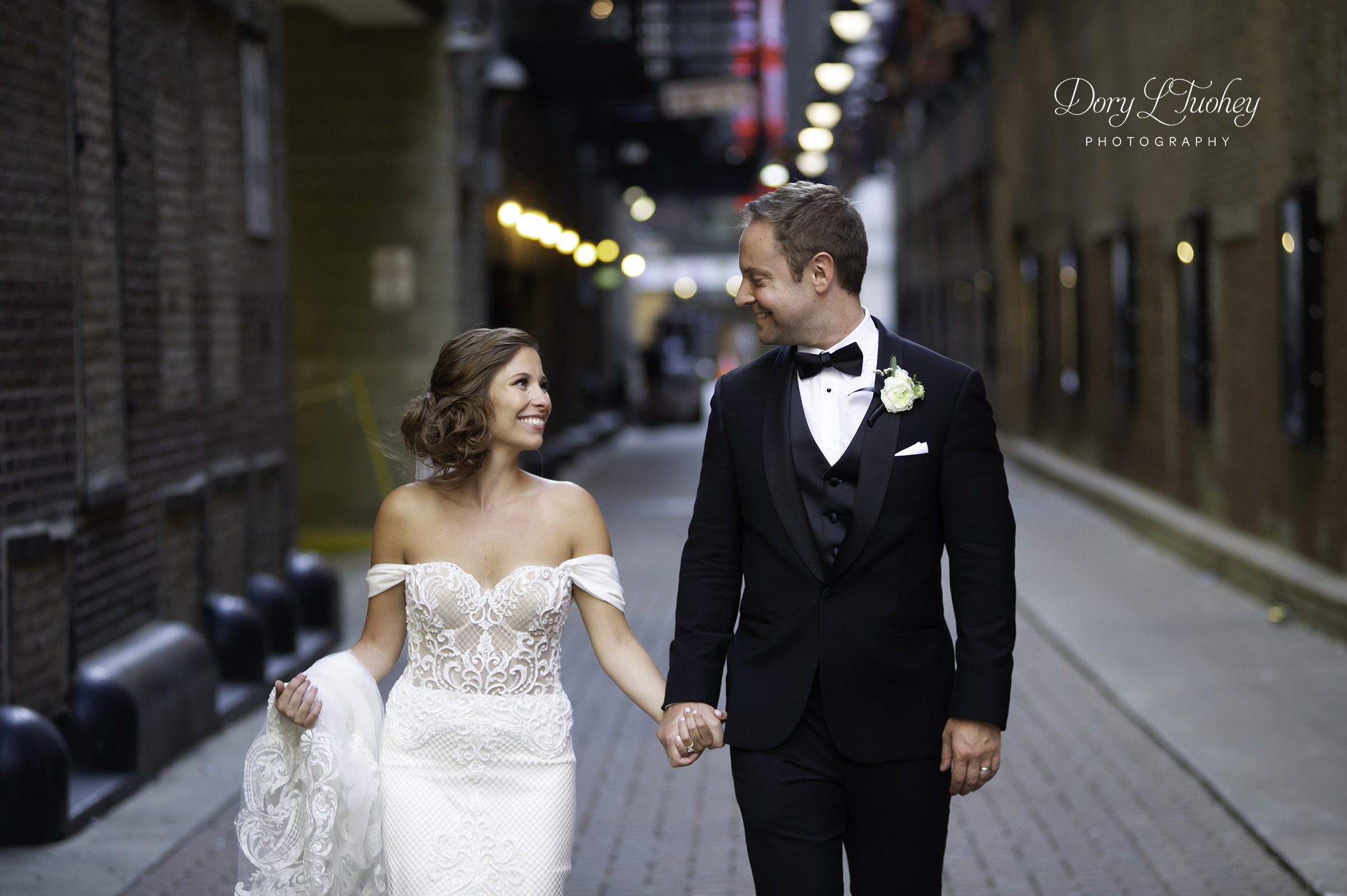 Wedding_chicago_bride_groom_photographer_wisconsin_gren_bay_wit_loyola_18.jpg