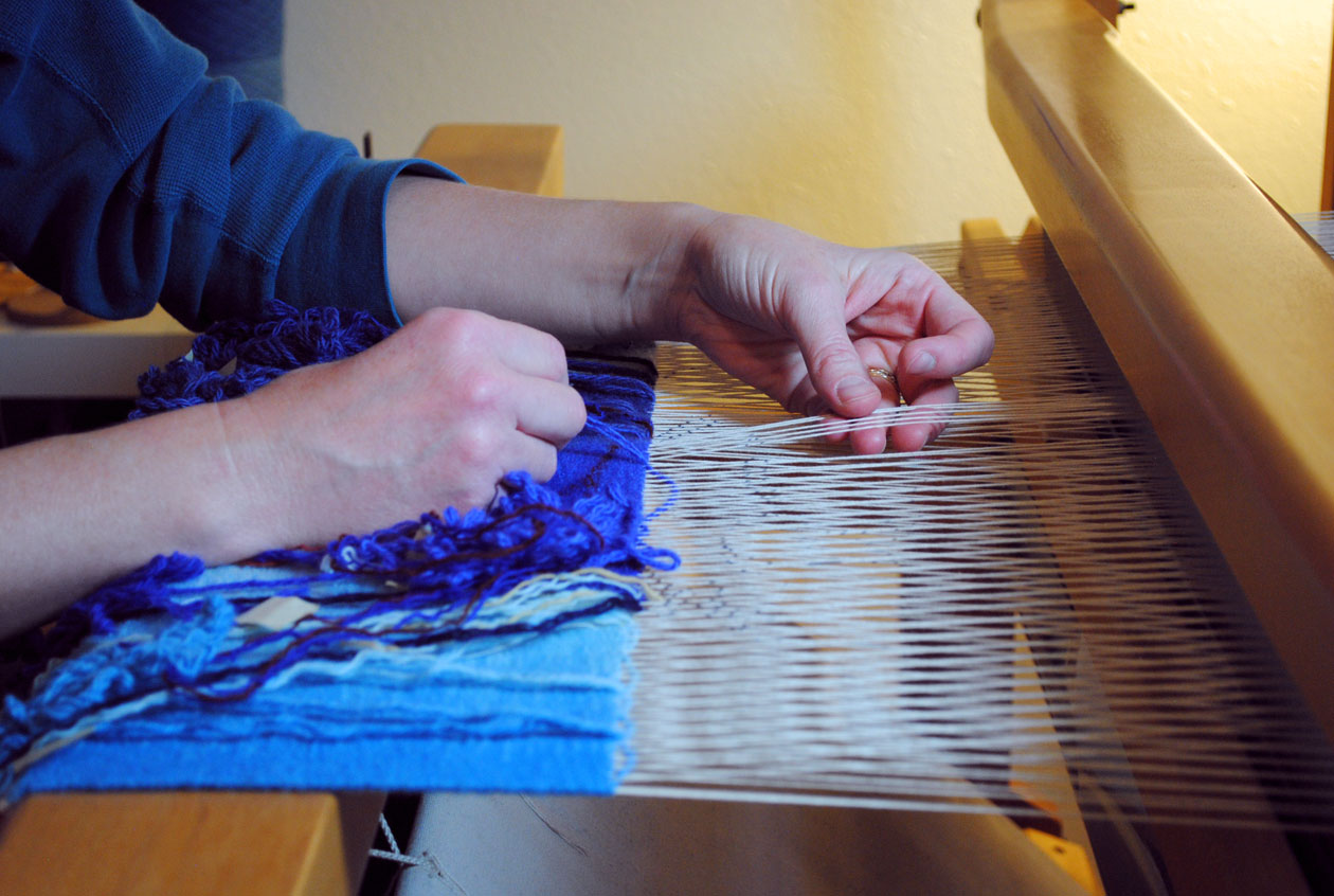 Weaving Lifelines on my Harrisville Rug Loom