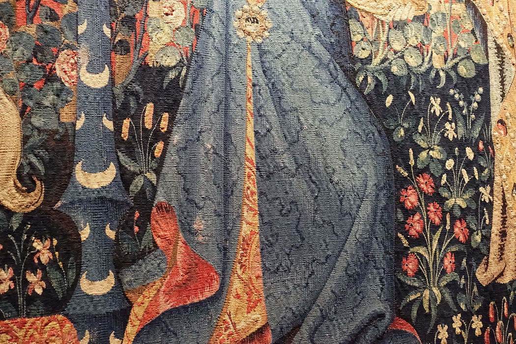 The Lady and the Unicorn, detail