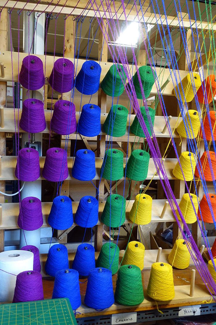 Bright yarn for pre-warped looms