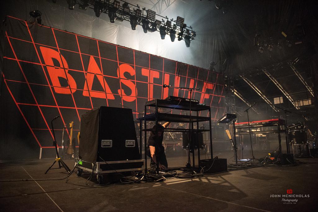 Bastille_26874539275_l.jpg