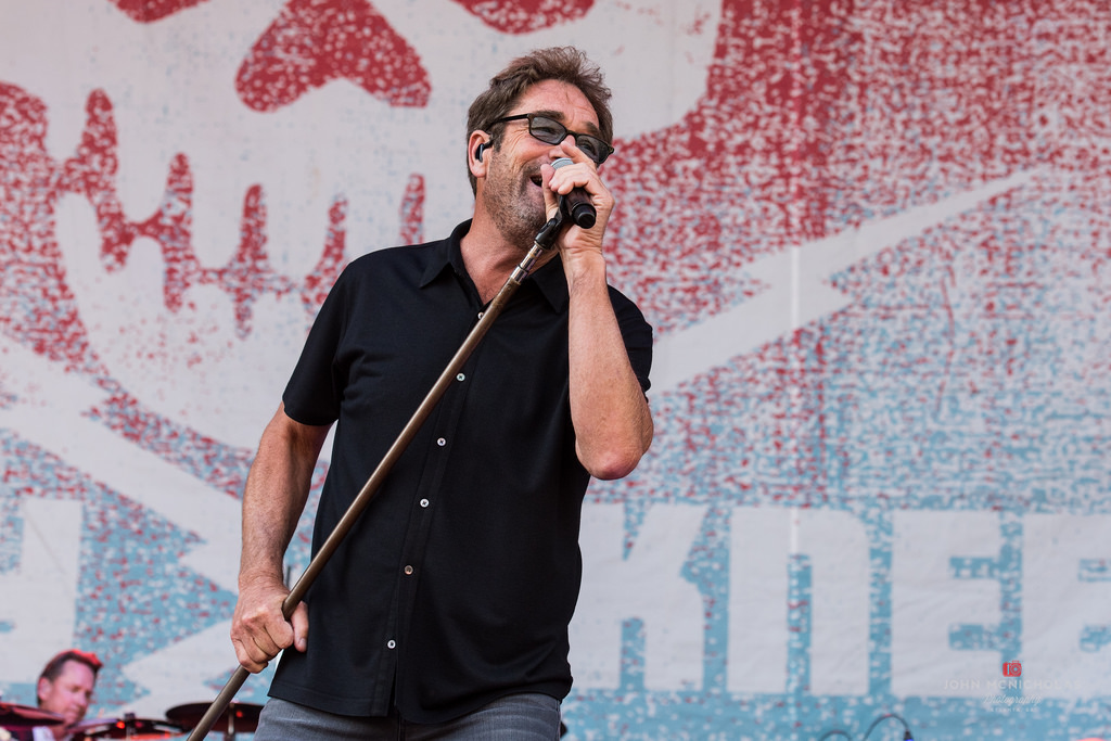 Huey Lewis and the News_27755934090_l.jpg