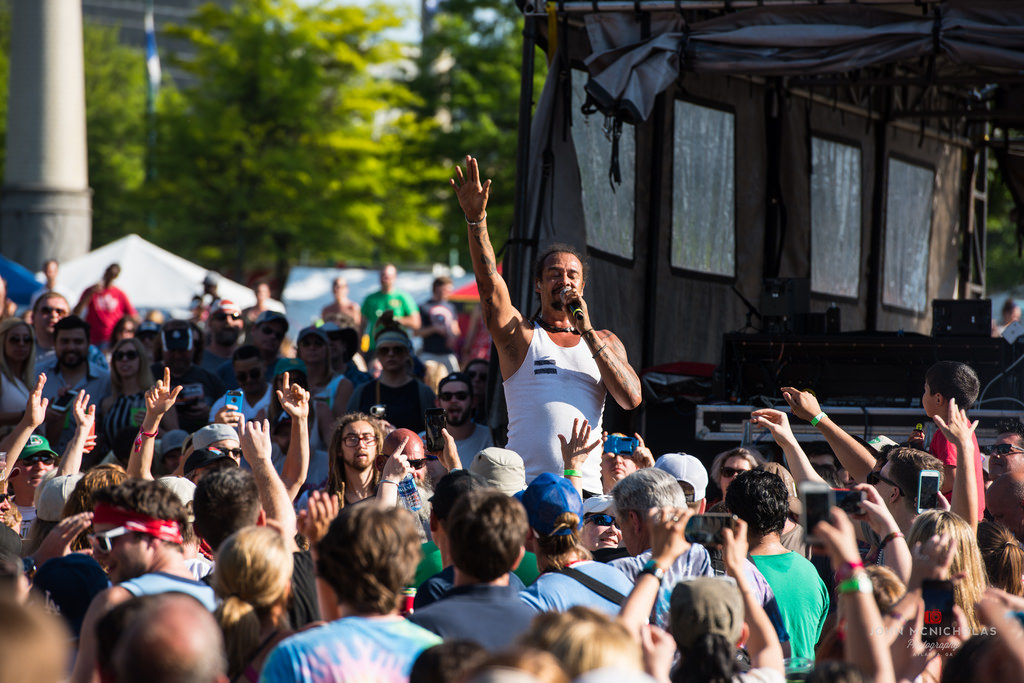 Michael Franti and Spearhead_26358760053_l.jpg