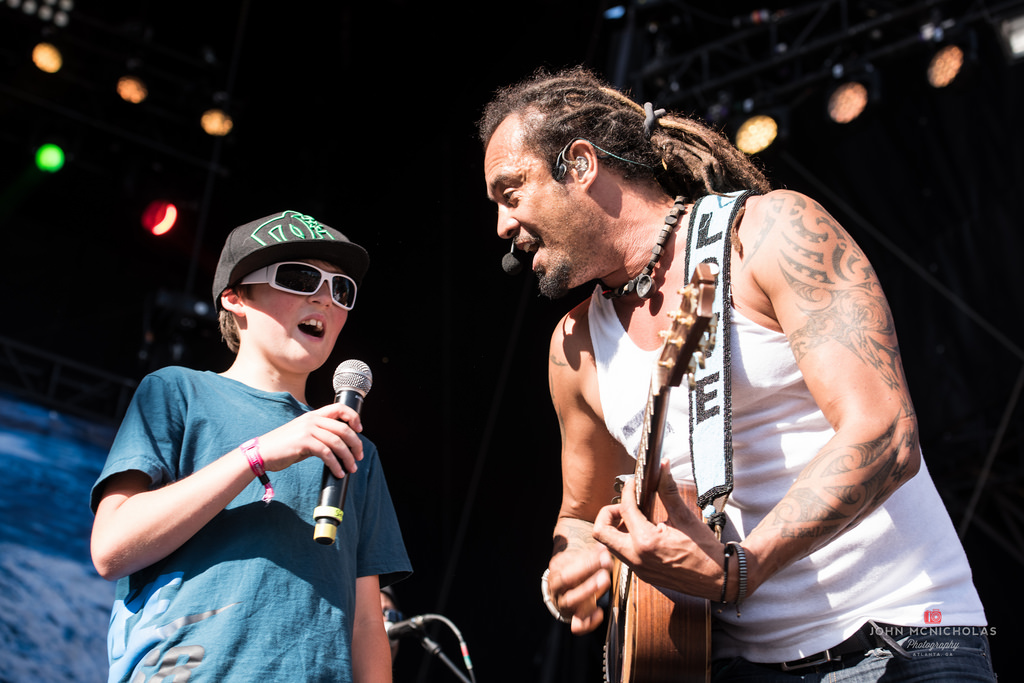 Michael Franti and Spearhead_26869015202_l.jpg
