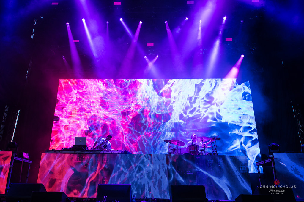 Big Gigantic_30181145016_l.jpg