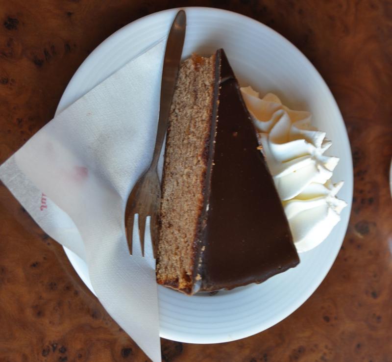 Sacher torte.jpg