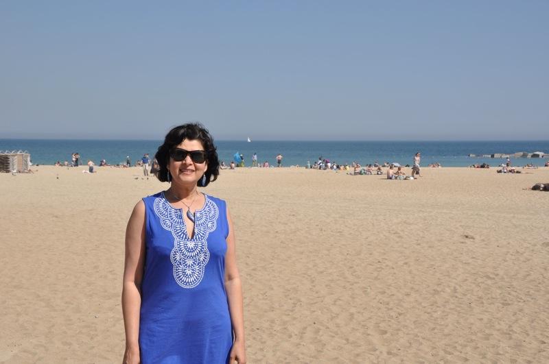 Meeta, beach.jpg