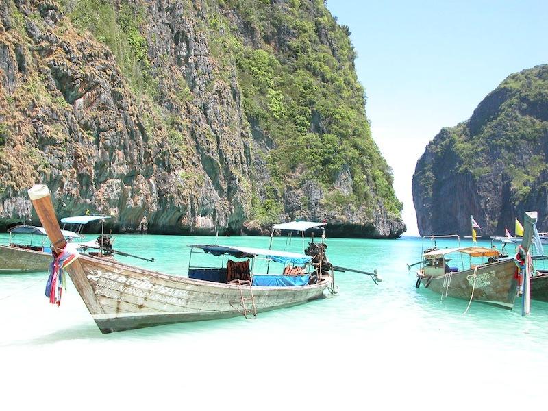 boats on island.jpg