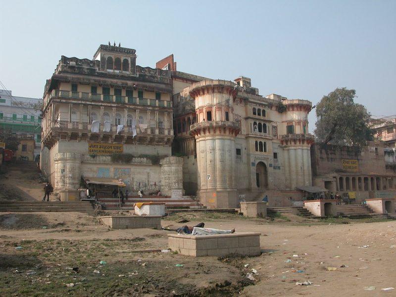 Ganga ghat.jpg