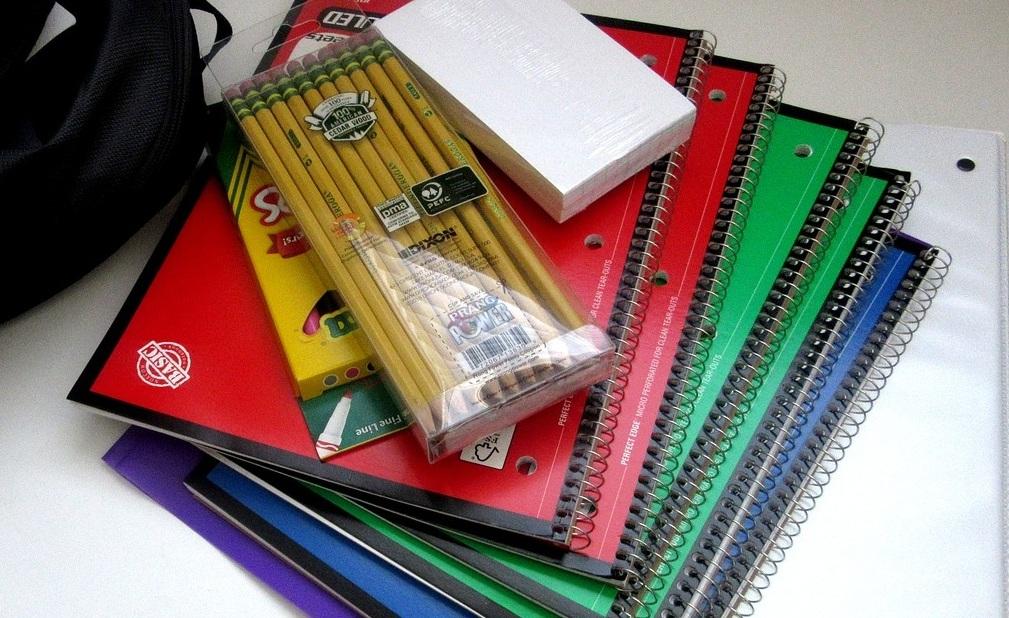 school-supplies-1582082_1280.jpg