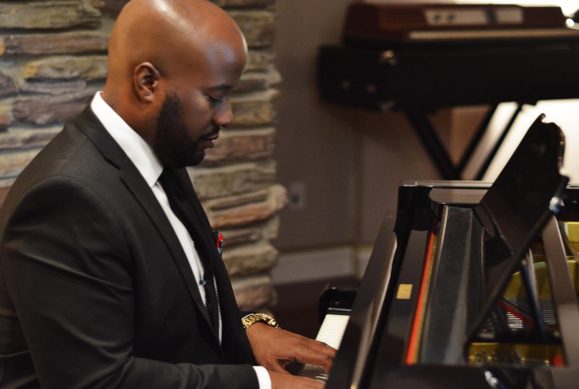 Piano Luke.JPG