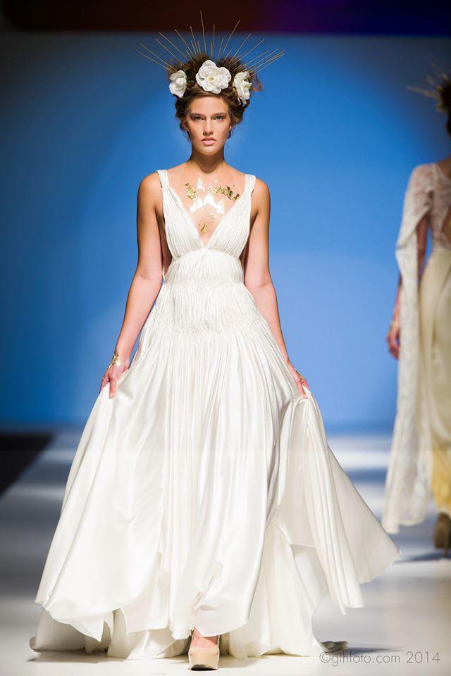 whitepleatedsilkdress.jpg