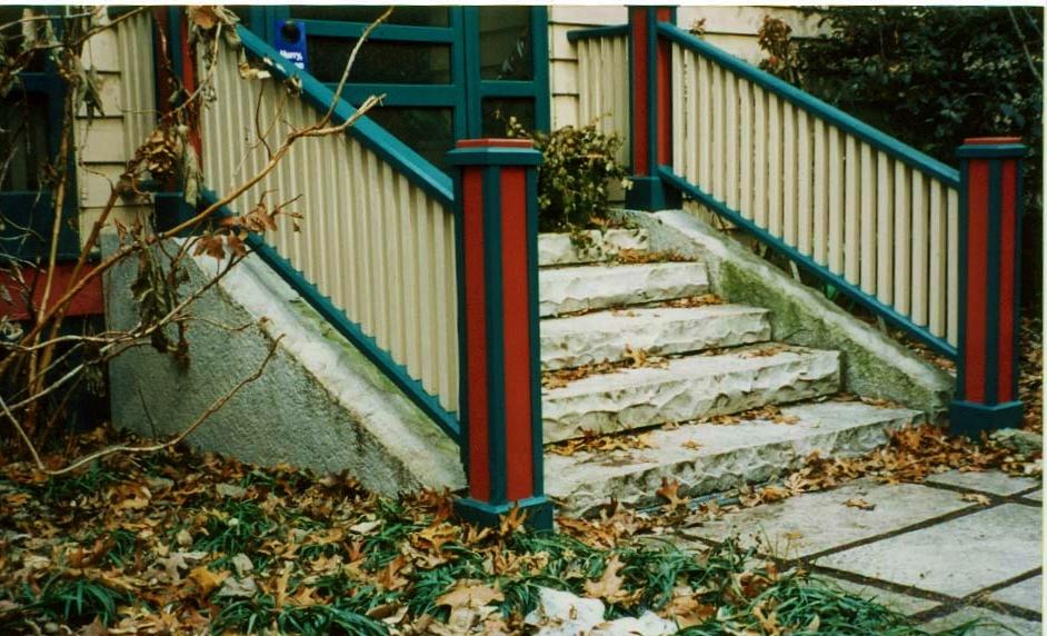 Maritz Front Steps 2 140 Linden.JPG