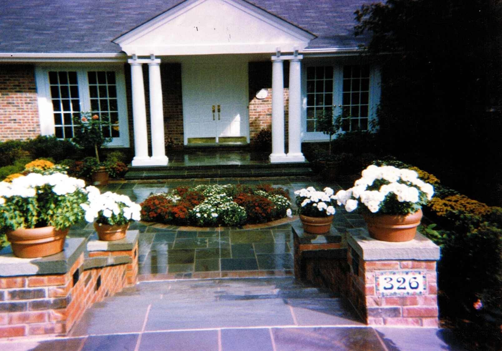 Patio Bluestone Soto.jpg