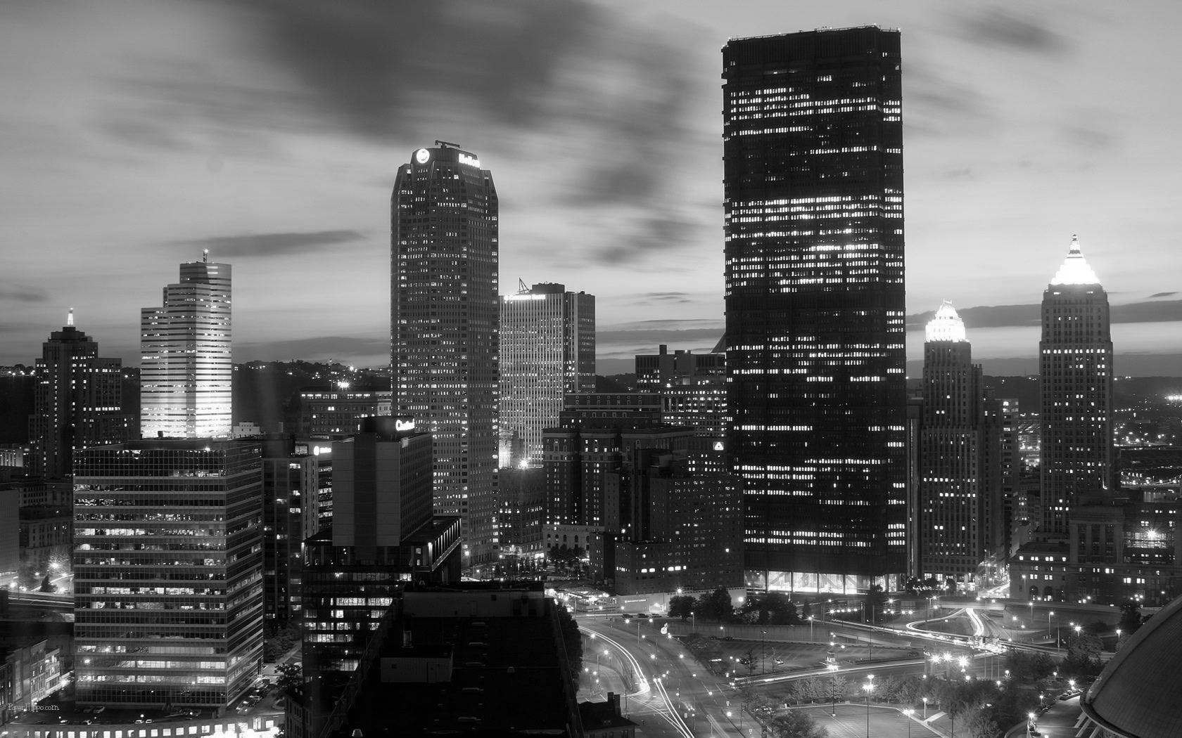 Downtown-Pittsburgh-1 bw.jpg