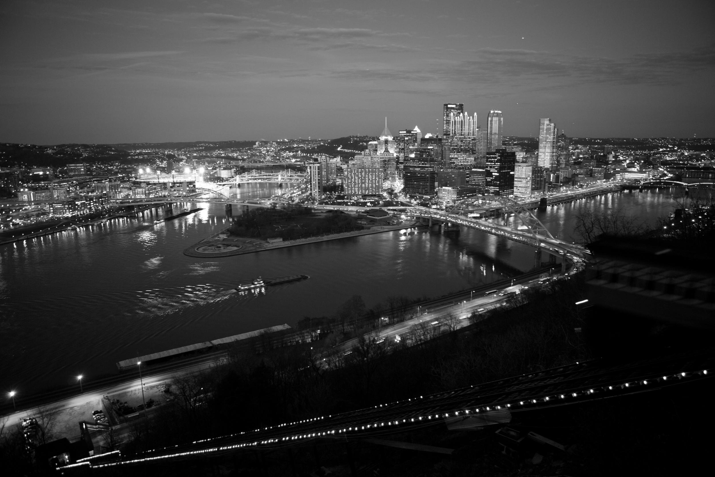Pittsburgh Night 8 bw.jpg