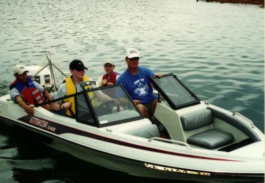 mtrboat.jpg
