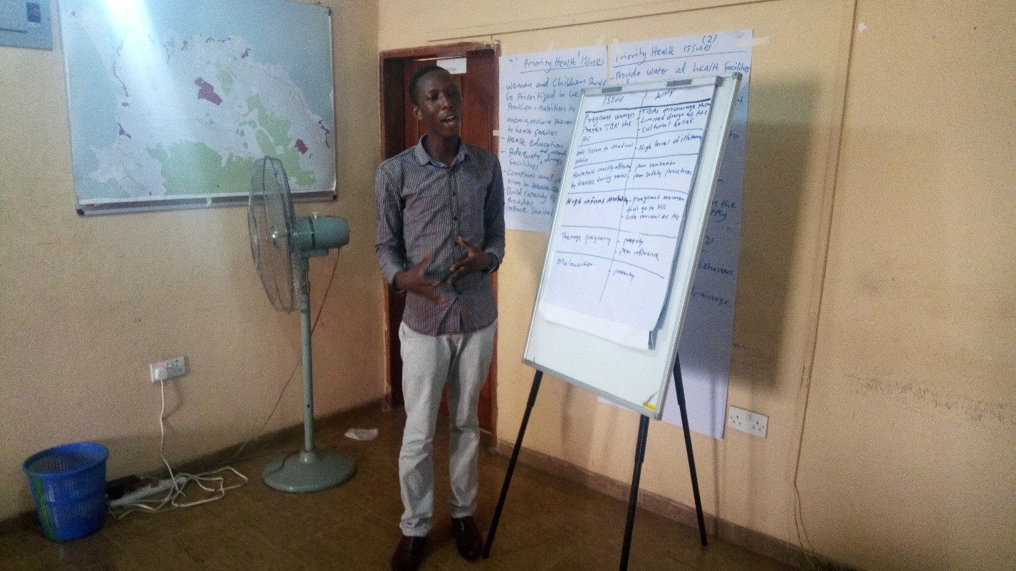 Participant presenting thought from group discussion