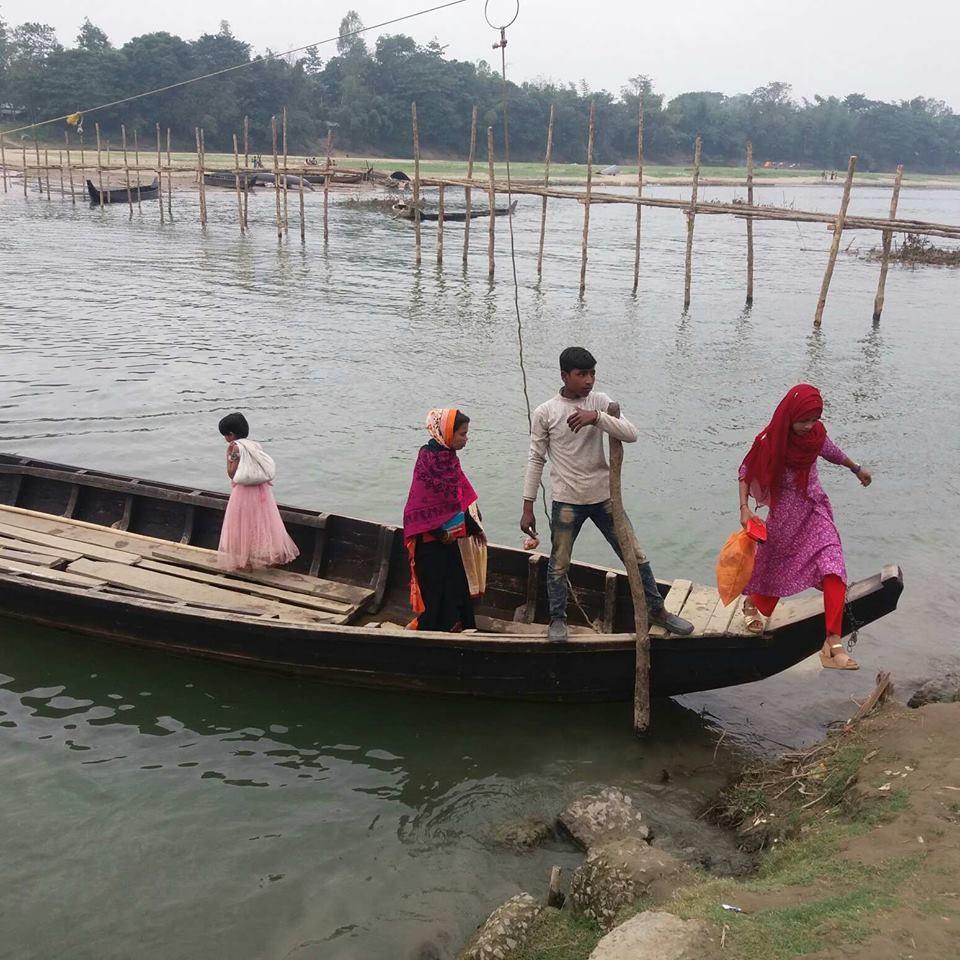 Crossing the Matamuhuri during the rainy season