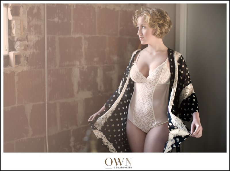 You can see the flow of the fabric in this image. Rachel's gorgeousness helps, too :) Try searching at Goodwill or other consignment stores for your boudoir session, you never know what you'll find!