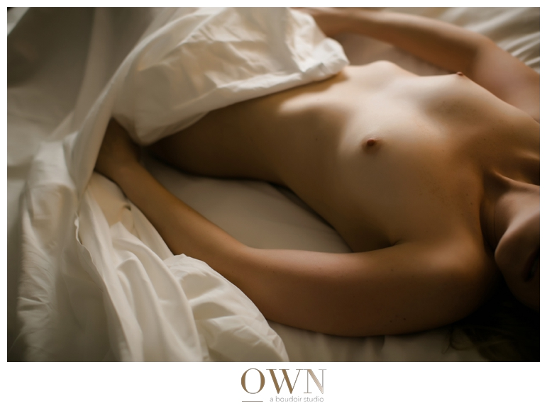 atlanta boudoir photographer nude photos sheet session new york boudoir