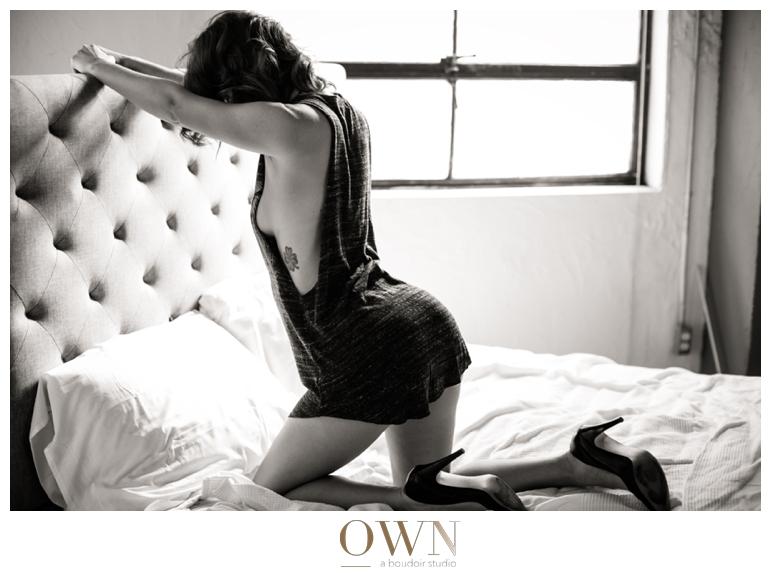 christmas boudoir idea photography own boudoir photographer black and white on bed