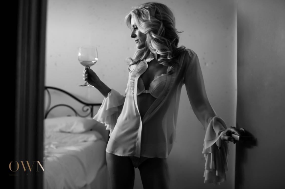 glad of wine prop boudoir, atlanta boudoir photographer, boudoir photographer, boudoir atlanta, prop ideas boudoir, black and white photo, black and white boudoir, houston boudoir photographer, oklahoma boudoir photographer