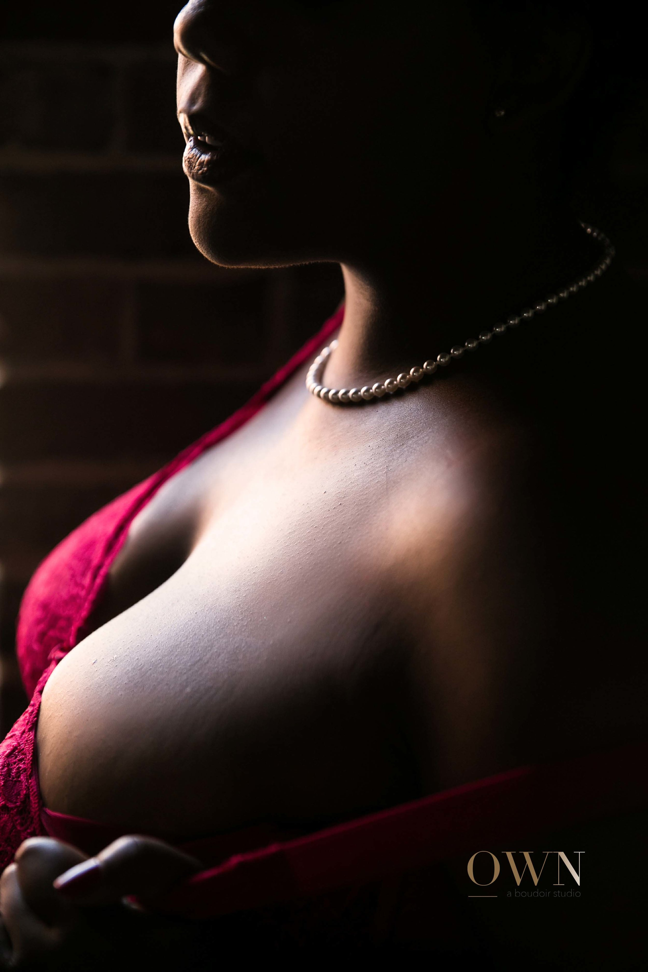 atlanta boudoir photographer, boudoir atlanta, atlanta boudoir, plus size boudoir, boudoir pose ideas, best boudoir photographer.jpg