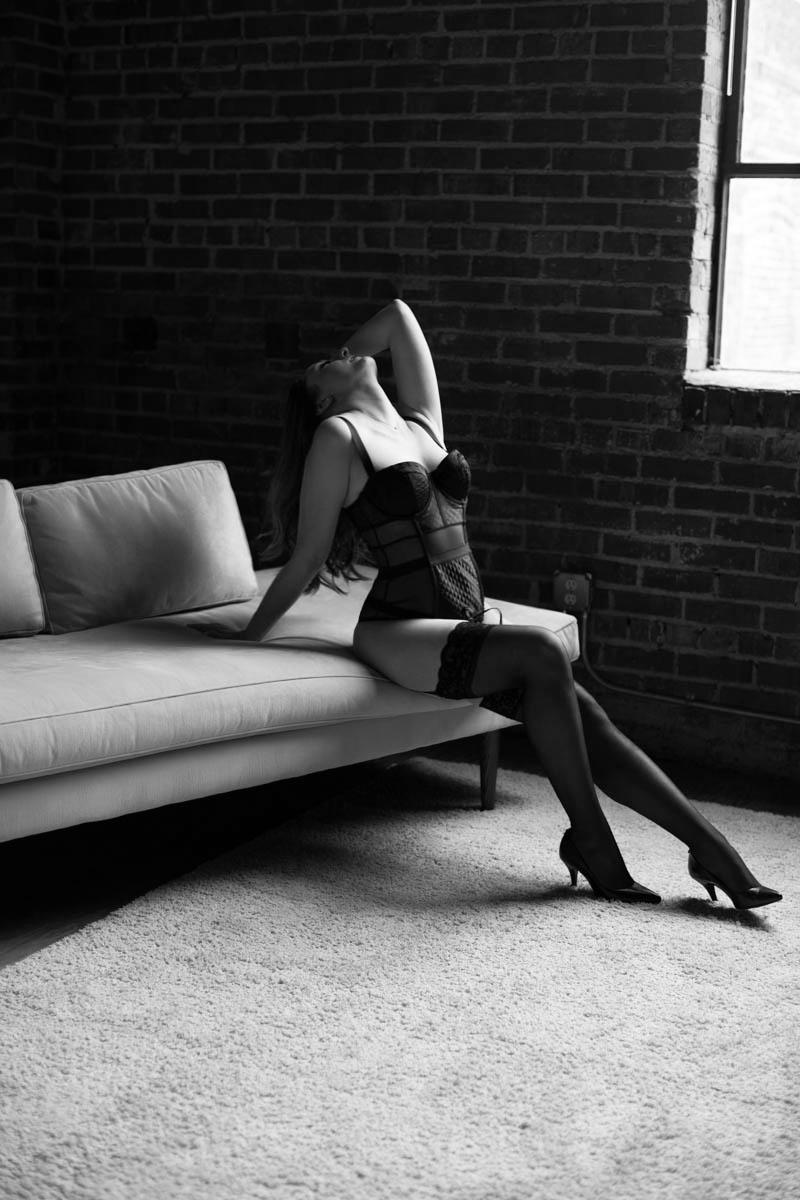 atlanta boudoir photographer, boudoir photography atlanta, boudoir poses (1 of 13).jpg
