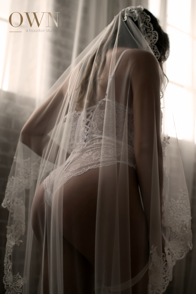atlanta boudoir photographer, boudoir photographer, bridal boudoir photographer, atlanta boudoir, bridal veil photos, sexy wedding photos