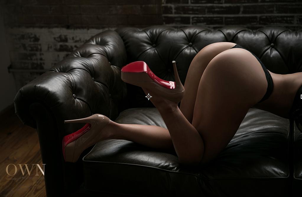atlanta boudoir, atlanta boudoir photographer, louboutin boudoir, red bottom boudoir, atlanta boudoir review