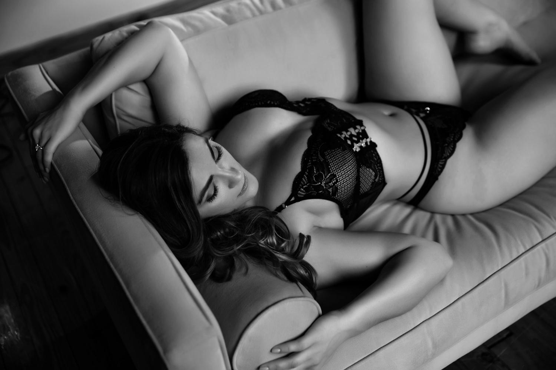 atlanta boudoir shoot, boudoir photography, boudoir photographer, athens boudoir, trashy diva, erotic shoot, bridal boudoir (9 of 10).jpg