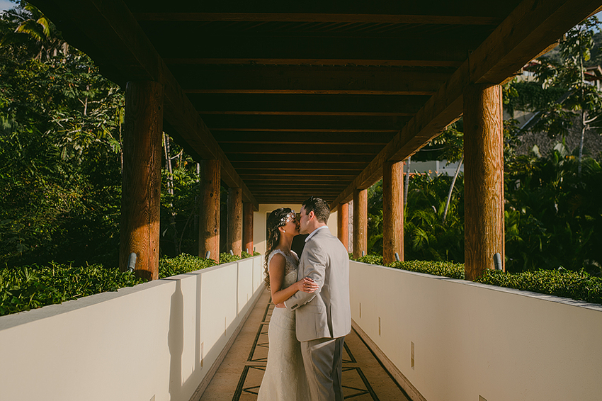 Joshua_Tiffany_Wedding_Puerto_Vallarta_GarzaBlanca_Photographer_Destination_053.jpg