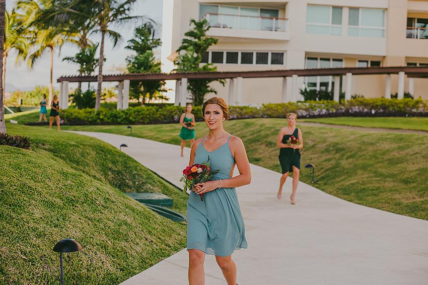 Kelsey+Chris_Blog_PuertoVallarta_DestinationWedding_Weddingphotography_KapePhotography_Mexico_057.jpg