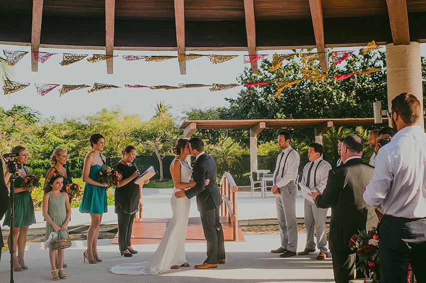 Kelsey+Chris_Blog_PuertoVallarta_DestinationWedding_Weddingphotography_KapePhotography_Mexico_077.jpg
