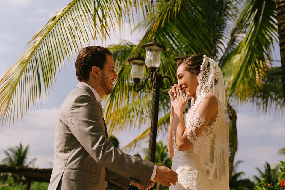 Sam+Alejandro_PlayadelCarmen_KapePhotography_destinationwedding_weddingphotography_mexico_fotografo_boda_cancun_rivieramaya_villasolyluna022.jpg