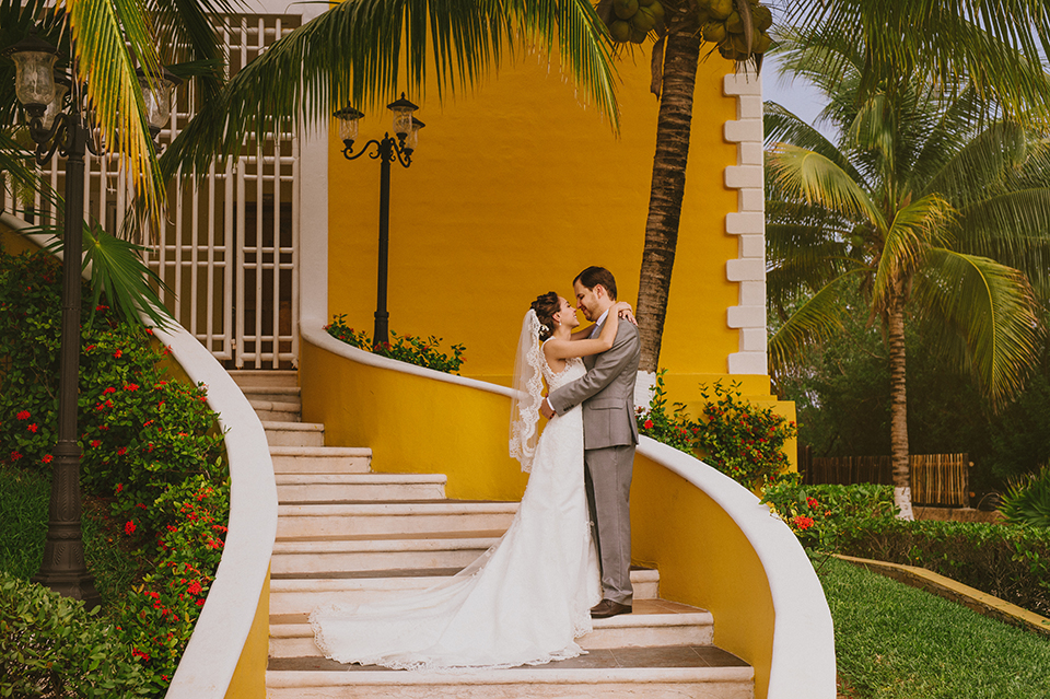 Sam+Alejandro_PlayadelCarmen_KapePhotography_destinationwedding_weddingphotography_mexico_fotografo_boda_cancun_rivieramaya_villasolyluna027.jpg