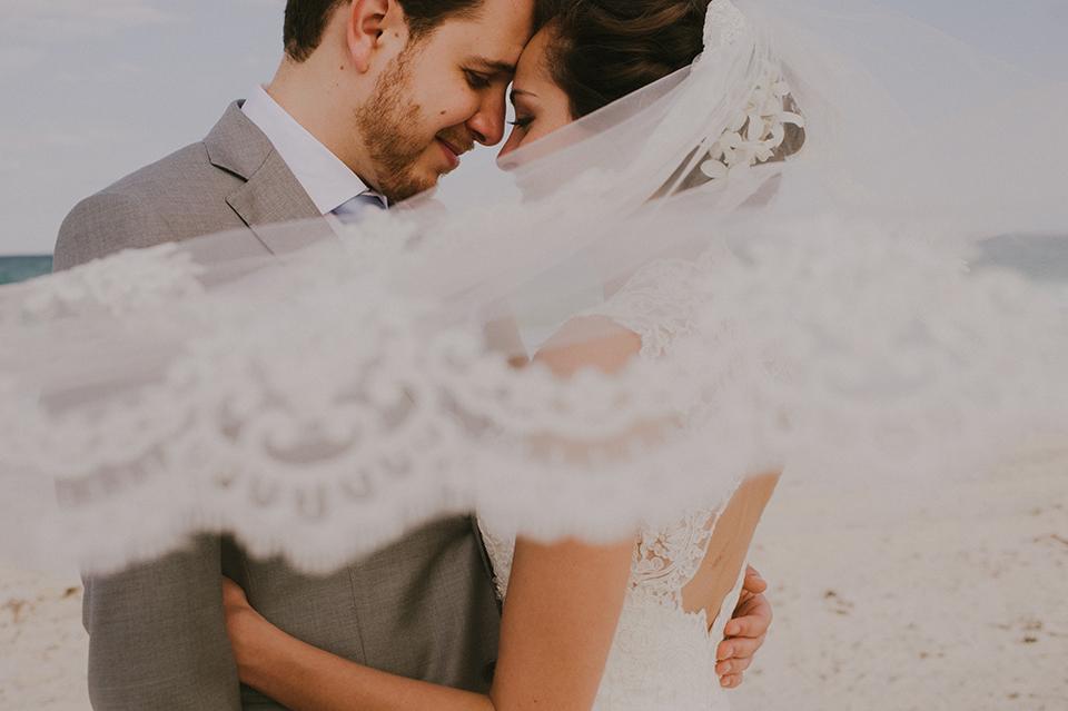 Sam+Alejandro_PlayadelCarmen_KapePhotography_destinationwedding_weddingphotography_mexico_fotografo_boda_cancun_rivieramaya_villasolyluna039.jpg