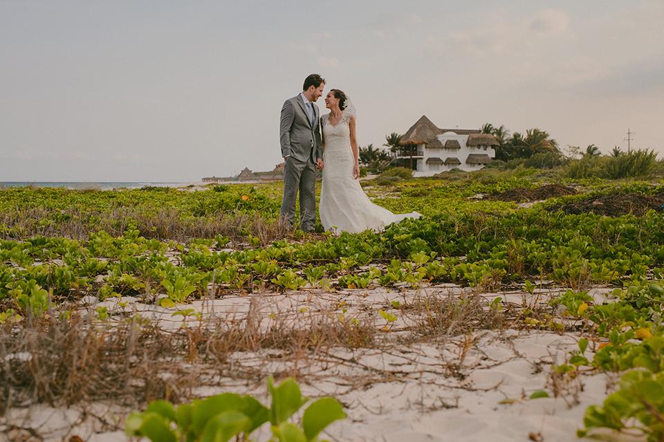 Sam+Alejandro_PlayadelCarmen_KapePhotography_destinationwedding_weddingphotography_mexico_fotografo_boda_cancun_rivieramaya_villasolyluna046.jpg