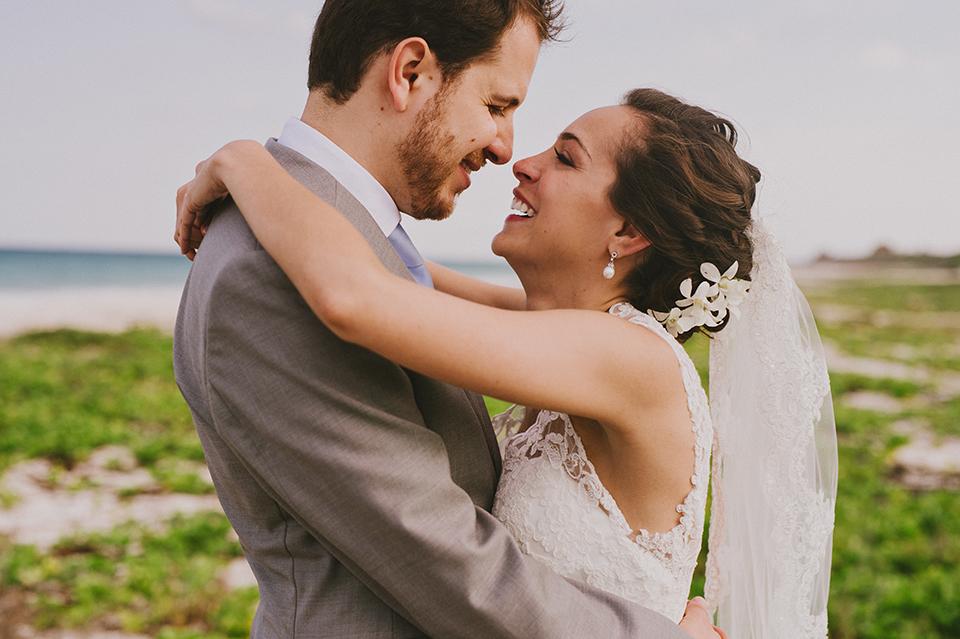 Sam+Alejandro_PlayadelCarmen_KapePhotography_destinationwedding_weddingphotography_mexico_fotografo_boda_cancun_rivieramaya_villasolyluna054.jpg