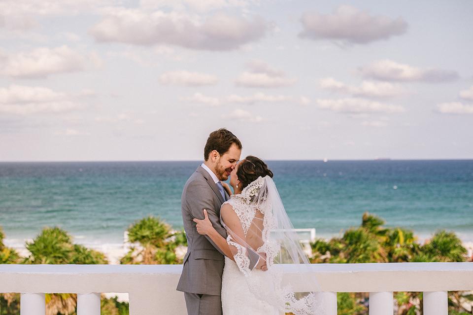 Sam+Alejandro_PlayadelCarmen_KapePhotography_destinationwedding_weddingphotography_mexico_fotografo_boda_cancun_rivieramaya_villasolyluna060.jpg