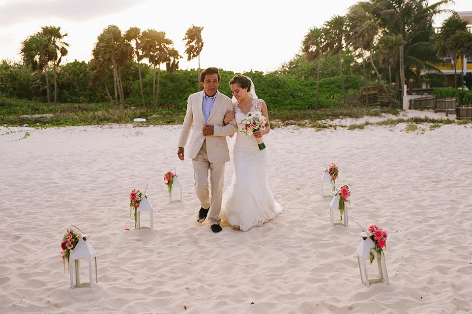 Sam+Alejandro_PlayadelCarmen_KapePhotography_destinationwedding_weddingphotography_mexico_fotografo_boda_cancun_rivieramaya_villasolyluna070.jpg