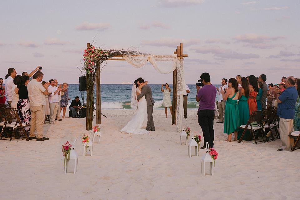 Sam+Alejandro_PlayadelCarmen_KapePhotography_destinationwedding_weddingphotography_mexico_fotografo_boda_cancun_rivieramaya_villasolyluna089.jpg