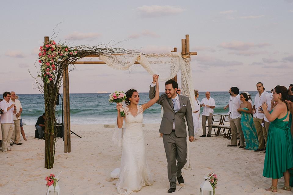 Sam+Alejandro_PlayadelCarmen_KapePhotography_destinationwedding_weddingphotography_mexico_fotografo_boda_cancun_rivieramaya_villasolyluna092.jpg