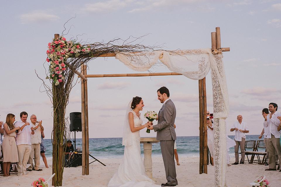 Sam+Alejandro_PlayadelCarmen_KapePhotography_destinationwedding_weddingphotography_mexico_fotografo_boda_cancun_rivieramaya_villasolyluna091.jpg
